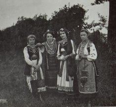 Фотографії про життя українців, зроблені австро-угорськими військовими під час Першої світової війни