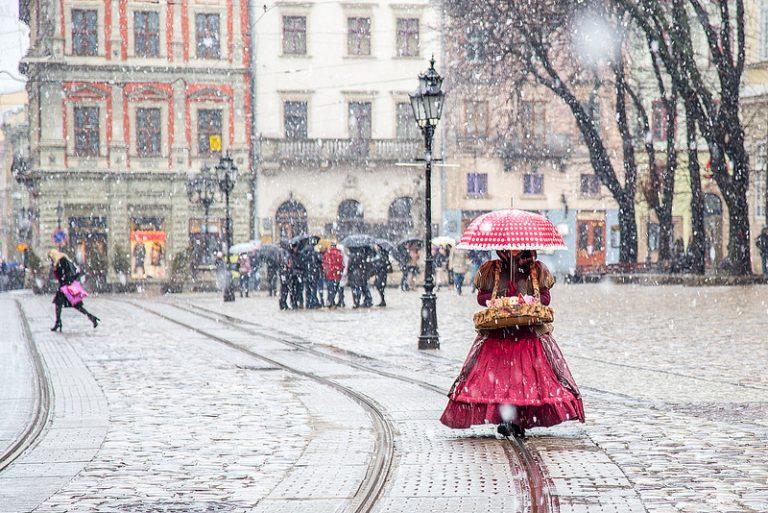 Мокрий сніг йде на Львівщину  f61301f4bd572