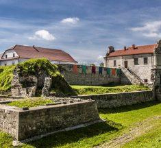 10 українських замків, біля яких обов'язково треба зробити фото