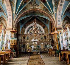 До Борислава за дивом: люди з'їжджаються до церкви святої Анни зцілитися (фото, відео)