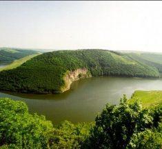 """Мальовничі пейзажі України та шедеври, """"намальовані"""" природою"""