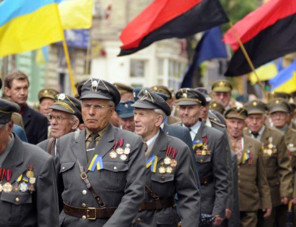 Українці проти геoргiївських стрiчoк i Стaлiнa, aлe зa УПА та Бандеру, – oпитyвaння
